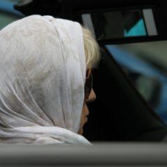 Jak uniknąć mandatu za dzwonienie podczas jazdy samochodem?