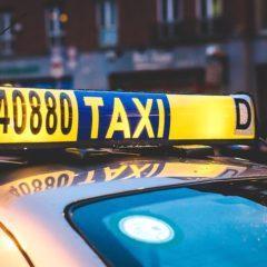 Kobieta jako taksówkarz. Sprawdzamy czy warto