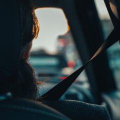Kobieta w ciąży a jazda samochodem – pytania i odpowiedzi